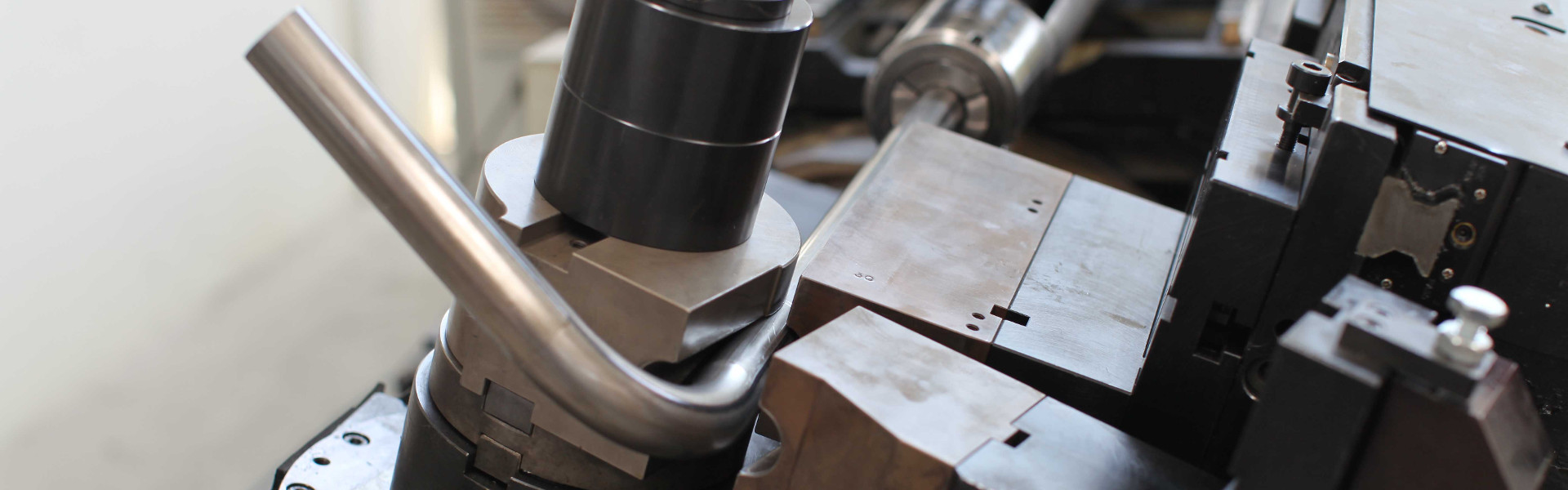 خمکن لوله CNC